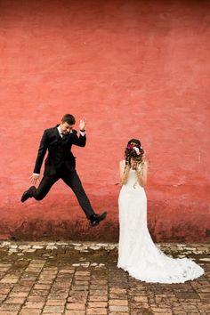 Vocês lembram da Ana Paula e do Dhaniel? Eles apareceram aquicontando sobre um roteiro de viagem maravilhoso em Florença. Hoje é dia de compartilhar o casamento deles, cheio de amor e lindezas! A Ana sempre sonhou com seu casamento, e isso ajudou muito durante os preparativos. ...