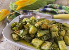 Zucchine in padella gustosissime *** ☼ 写真 ஜℓvஜ ✨❁⊰ ~♥~ MO May 2018 ~♥~ ⊱⛩☮️☸️ॐ⛩✨❁↠ ஜℓvஜ ☼ New Recipes, Vegan Recipes, Salty Foods, Learn To Cook, Asparagus, Potato Salad, Zucchini, Menu, Food And Drink