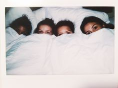 Photography friends sleepover bff Ideas - Fotos need to take☀️ - Photograpy Bff Pics, Best Friend Pictures, Friend Photos, Cute Bff Pictures, Family Pictures, Tumblr Polaroid, Pool Girl, Best Friend Fotos, Girl Sleepover