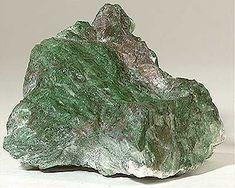 Antes de nada indicar que, en este artículo, nos basaremos sobre todo en las propiedades del Jade verde, ya que es el más común y utilizado tanto en magia como en sanación. No obstante realizaré a …