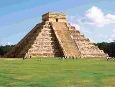 https://www.intrepidtravel.com/sites/intrepid/files/styles/low-quality/public/elements/product/hero/mexico_chichen-itza%20%282%29.jpg