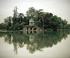 Lake Daumesnil, Paris - France