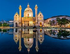 Tour di Vienna National Geographic, Blue Hour, Salzburg, Vienna, Taj Mahal, Cathedral, Places To Go, Europe, Earth
