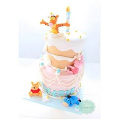 it is one if my favourite cake i made this year! by Bake-a-boo Cakes NZ Winnie The Pooh Cake, Winnie The Pooh Birthday, Winnie The Pooh Friends, Girl Birthday Themes, Happy Birthday, Birthday Cakes, Cupcakes, Cupcake Cookies, Bake A Boo