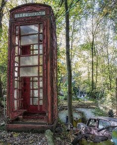 I called you for 60 years Abandoned Abandoned Property, Abandoned Mansions, Abandoned Houses, Abandoned Places, Photo Post Mortem, Pompe A Essence, Bg Design, Haunted Places, Les Oeuvres