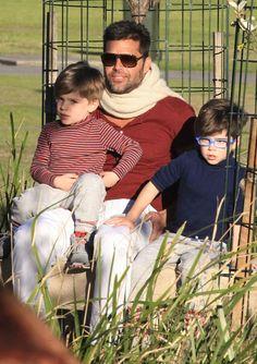 Ricky Martin & Twins: Park Playdate