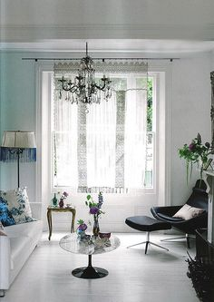 Liza Giles's(senior stylist for Tricia Guild of Designers Guild) home