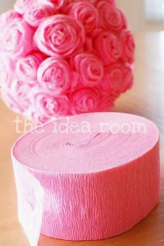 Best DIY Projects: DIY crepe paper roses - super easy & inexpensive