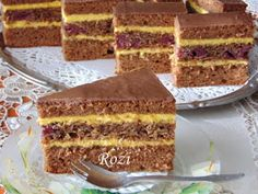 Rozi Erdélyi konyhája: Királyfi szelet Cake Recipes, Dessert Recipes, Holidays And Events, Vanilla Cake, Tiramisu, Wedding Cakes, Dishes, Cookies, Ethnic Recipes