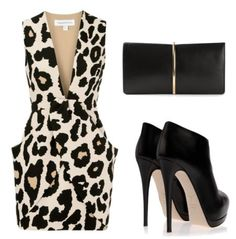 This leopard print outfit is the ultimate evening style for every girl out there who wants to look fabulous, sexy, and classy all in one outfit.