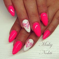 Want some ideas for wedding nail polish designs? This article is a collection of our favorite nail polish designs for your special day. Cute Gel Nails, Neon Nails, Love Nails, Nail Polish Designs, Nail Art Designs, Nails Design, Wedding Nail Polish, Artificial Nails, Nails Inc