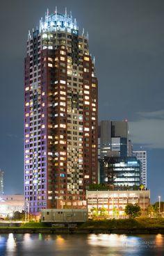 The Towers Daiba Tower East (ザ・タワーズダイバタワーイースト). /  Architect : Asai Ken Architectural Research (設計:浅井謙建築研究所).