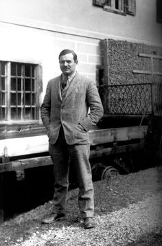 Ernest Hemingway outside of his residence at 113 rue Notre-Dame-des-Champs, Paris. Ernest Hemingway Collection. John F. Kennedy Presidential Library and Museum, Boston.