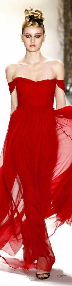 Monique L'huillier red evening gown. www.misskrizia.com