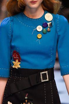 Retrouvez les photos du défilé Dolce & Gabbana Prêt-à-porter Automne-hiver 2016-2017, les meilleurs moments en vidéo, ainsi que les coulisses et les détails du show