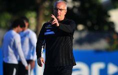 """Dorival mira """"passo maior"""" do Santos com reforços e volta de selecionados  http://santosfutebolarte.omb10.com/SantosFutebolArte"""