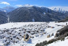 23F73F8A00000578-2868859-An_aerial_shot_of_Obertilliach_in_East_Tirol_shows_the_beautiful-a-46_1418298800279.jpg (961×644)