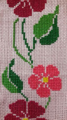 This Pin was discovered by Arz Cross Stitch Borders, Cross Stitch Rose, Cross Stitch Flowers, Cross Stitch Charts, Cross Stitch Designs, Cross Stitching, Blackwork Embroidery, Cross Stitch Embroidery, Hand Embroidery