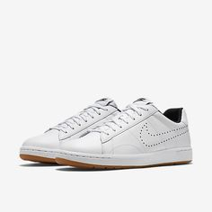 more photos 2be26 dfbe2 Nike Tennis Classic Ultra Leather Womens Shoe 100--gt 80--gt