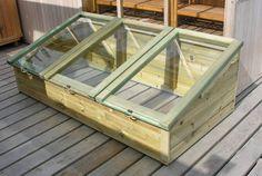 astuce brico : construire un châssis pour jardin en bois avec des fenêtres