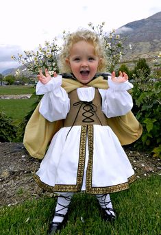 Bolo Heads: Viking Princess costume -  Pure awesomeness and some really fun photo captures