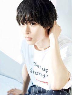 Kento Yamazaki..山﨑賢人 Kento Yamazaki, Japanese Boy, S Stories, Actor Model, Asian Actors, To My Future Husband, My Man, Cute Drawings, Hot Guys