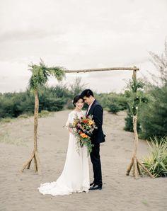 Pre Wedding Photoshoot, Wedding Poses, Wedding Engagement, Wedding Dresses, Prewedding Outdoor, Prewedding Hijab, Korean Picture, Engagement Decorations, Post Wedding
