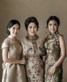 By Stella Lunardy Cheongsam Modern, Cheongsam Wedding, Engagement Dresses, Wedding Dresses, Fashion For Petite Women, Bridesmaid Dress Styles, Batik Dress, Beaded Gown, Dressy Dresses