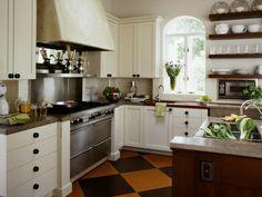 kücheneinrichtung englischer stil weißer küchenschrank korbmöbel ... - Küche Englischer Landhausstil