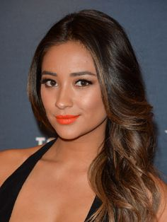 Shay Mitchell (March 17, 2014) | Dailymakeover