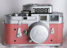 Leica Camera Pink: I have never seen this colour before. Very unusual for Leica! Leica Camera, 3d Camera, Pink Camera, Retro Camera, Camera Life, Cute Camera, Antique Cameras, Vintage Cameras, Vintage Polaroid
