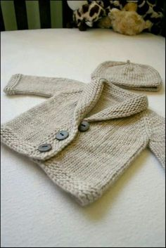 Baby Knitting Patterns Baby Sophisticate pattern by Erica Kempf kids Baby Sophisticate pattern by Linden Down (free pattern on Ravelry) Bulky US 10 top down, I doubt I'll ever have babies, but this is so cute: BBaby Sophisticate & Math for Baby Sweater Patterns, Knit Baby Sweaters, Baby Patterns, Knit Patterns, Baby Knits, Baby Boy Sweater, Knitted Baby Cardigan, Sweater Hat, Knitted Baby Clothes
