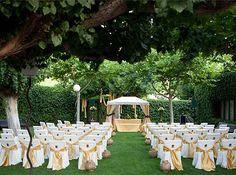 imagenes de matrimonios reales al aire libre con hermosos arreglos para boda