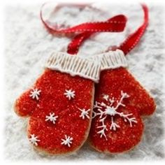 Mitten cookies for Christmas -- I'm making these!