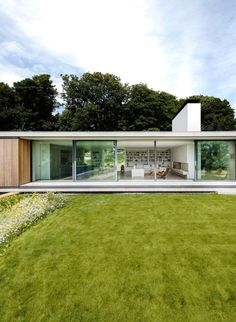 Contemporary retirement bungalow in Dorset - Grand Designs Magazine Contemporary Architecture, Architecture Design, Contemporary Design, Casas Containers, Single Story Homes, Bungalow Homes, Grand Designs, Bungalows, Glass House