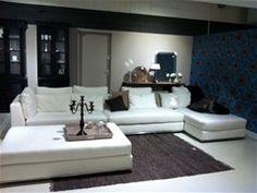 Grote witte hoekbank (loungebank, showroommodel, cocoon