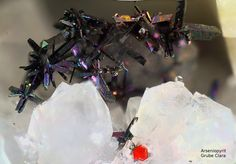 Gem Stones, Black Forest, Rocks And Minerals, Rock Art, Opal, Christmas Wreaths, Holiday Decor, Awesome, Minerals