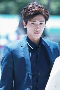 ZE:A | PARK HYUNGSIK>>>> HELP ME OH GOD HES SO HOT HELPHELP