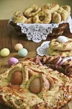 Cuddhuri calabresi ( biscotti di Pasqua) http://laricettadellafelicita.blogspot.it/2012/04/gentile-richiesta-i-dolci-di-pasqua.html