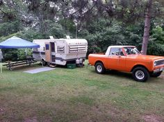 1971 Holiday Traveler being towed by a 1975 International Scout ll. International Scout, Camping Michigan, Offroad, Recreational Vehicles, Classic Cars, Happiness, Outdoors, Trucks, Holiday