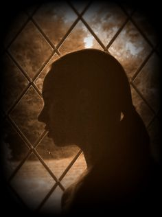 Day 15: Silhouette. A traditional Victorian-style profile silhouette. By Phthalo Green