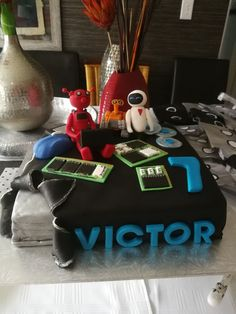 Robot and computer cake