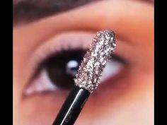 Easy Everyday Eye Makeup For Brown Eyes it is Eye Makeup Eye Exam till Eye Makeup Tutorial Halloween Sparkly Eye Makeup, Smoky Eye Makeup, Makeup For Brown Eyes, Smokey Eye, Glitter Eyeshadow, Makeup Eyeshadow, Makeup Cosmetics, Eyeliner, Casual Makeup