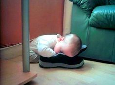 Pictures That Prove Kids Can Fall Asleep Anywhere pics) Funny Baby Clothes, Funny Babies, Funny Kids, Cute Kids, Cute Babies, Fantastic Baby, Try Not To Laugh, Kids Sleep, Bedtime