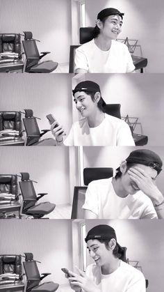 Bts Bangtan Boy, Bts Jimin, K Pop, 7 Prince, Bts Black And White, Jin, Bts Lockscreen, V Taehyung, I Love Bts