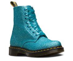 Dr. Martens, Dr Martens 1460, Doc Martens Boots, Heeled Boots, Shoe Boots, Shoes Sandals, Women's Boots, Sneakers Fashion, Fashion Shoes