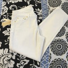 Brand new white ankle crop Skinny MK jeans New with tags 98% cotton Michael Kors Jeans Ankle & Cropped