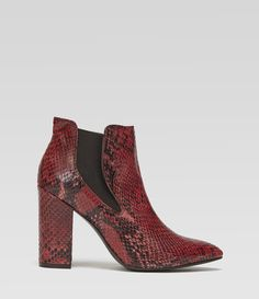 High Heel Boot mit Schlangenmuster #poilei #boots #fashion #red #shoes