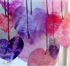 Hoy os voy a mostrar cómo podemos hacer unos corazones de San Valentín muy originales. Se trata de una manualidad muy bonita que nos propone Claudia, ideal para hacer con los niños ya que se acerca el Día de los...