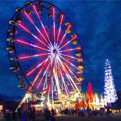 Hunter Valley Gardens Ferris Wheel view from the top - Xmas lights spectacular